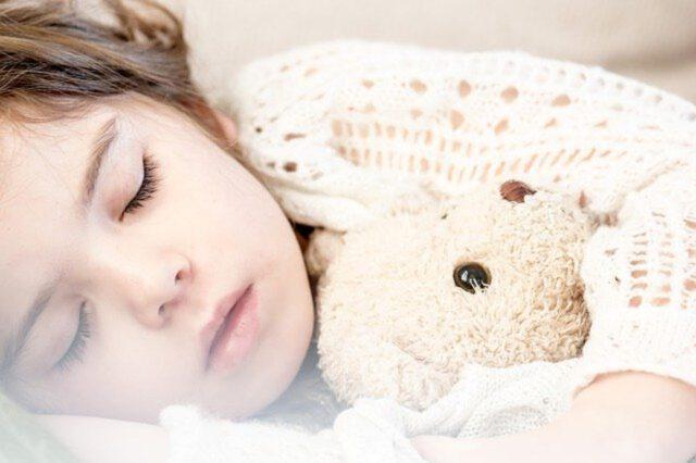 Jak codzienne nawyki wpływają na nadmierną senność w ciągu dnia